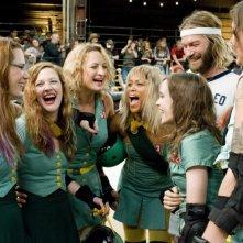 Kristen Wiig, Drew Barrymore, Zoe Bell, Eve, Ellen Page, Andrew Wilson e Krissy Krash in una scena del film Whip It