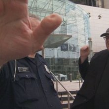 Michael Moore in una scena di Capitalism: A Love Story