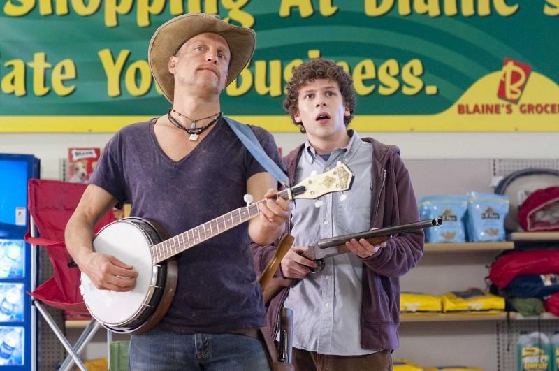 Woody Harrelson E Jesse Eisenberg In Una Scena Del Film Zombieland 131106