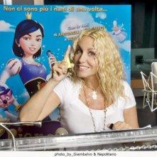 Antonella Clerici doppia il film Biancaneve e gli 007 nani