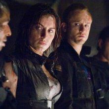 Eddie Rouse, Antje Traue, Ben Foster e Cung Le in una scena del film Pandorum