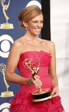 Emmy Awards 2009 Toni Collette Premiata Per United States Of Tara 131305
