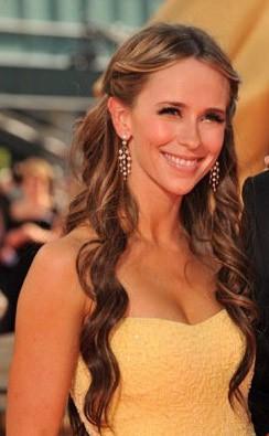 Emmy Awards 2009 Una Radiosa Jennifer Love Hewitt 131268