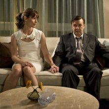 Jennifer Garner e Ricky Gervais in un'immagine del film The Invention of Lying