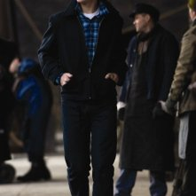 Aaron Johnson in un scena di Nowhere Boy