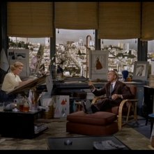 James Stewart con Barbara Bel Geddes in una scena de La donna che visse due volte ( 1958 )