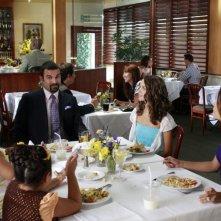 Desperate Housewives: la famiglia Solis alle prese con l'ex-giardiniere in Never Judge a Lady by Her Lover, terzo episodio della sesta stagione