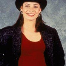 Holly Marie Combs in una foto promo della serie tv La Famiglia Brock