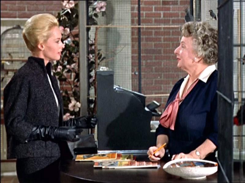 Tippi Hedren E Ruth Mcdevitt In Una Scena Del Film Gli Uccelli 1963 131811