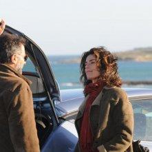 Anna Valle e Luca Barbareschi in una scena della serie tv Nebbie e delitti