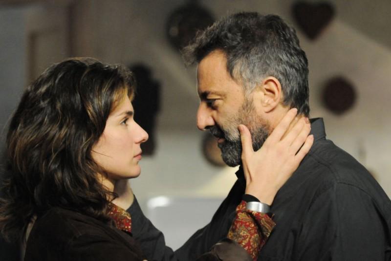 Anna Valle E Luca Barbareschi In Una Scena Della Terza Stagione Della Serie Tv Nebbie E Delitti 132038