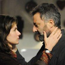 Anna Valle e Luca Barbareschi in una scena della terza stagione della serie tv Nebbie e delitti