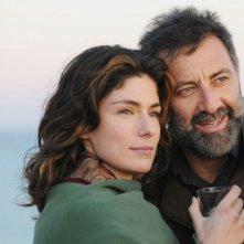 Anna Valle e Luca Barbareschi in una sequenza della serie tv Nebbie e delitti