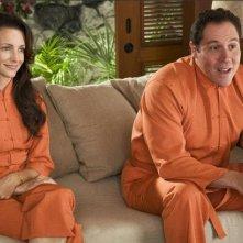 Jon Favreau con Kristin Davis nel film L'isola delle coppie