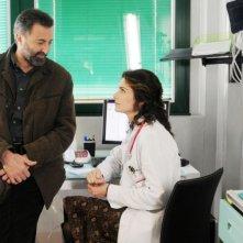 Luca Barbareschi e Anna Valle in una scena della terza stagione della serie tv Nebbie e delitti