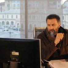 Luca Barbareschi è il protagonista della serie tv Nebbie e delitti