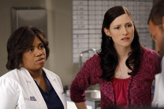 Chandra Wilson E Chyler Leigh In Una Scena Dell Episodio Tainted Obligation Di Grey S Anatomy 132154