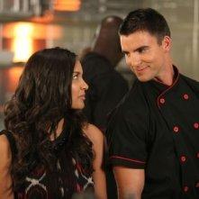 Colin Egglesfield e Jessica Lucas in una scena dell'episodio Grand di Melrose Place