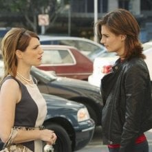 Stana Katic e Kathleen Rose Perkins in una scena dell'episodio Fool Me Once di Castle