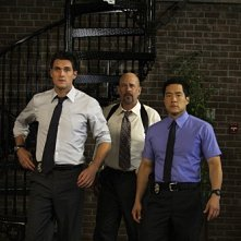 Tim Kang, Terry Kinny ed Owain Yeoman in una scena dell'episodio Red Badge di The Mentalist