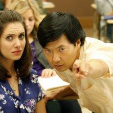 Alison Brie e Ken Jeong in una scena dell'episodio Spanish 101 della serie Community