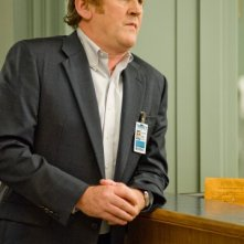 Colm Meaney in una scena dell'episodio I Believe You Conrad della serie Mercy