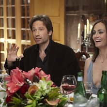 Diane Farr e David Duchovny nell'episodio Wish You Were Here di Californication
