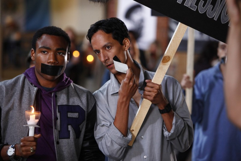 Donald Glover E Danny Pudi In Una Scena Dell Episodio Spanish 101 Della Serie Community 132634