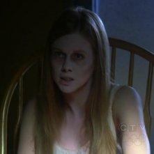 Ghost Whisperer: una spettrale Zoe Boyle in Birthday Presence, primo episodio della stagione 6
