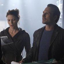 Heather Stephens e Christian Slater in una scena dell'episodio Football John di The Forgotten