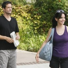 Josh Hopkins e Courteney Cox in una scena dell'episodio I Won't Back Down di Cougar Town
