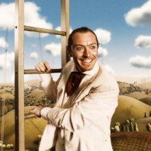 Jude Law in una scena del film Parnassus - L'uomo che voleva ingannare il diavolo