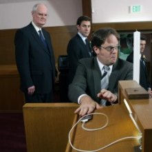 Ken Kreps, Rainn Wilson e John Krasinski in una scena dell'episodio Niagara di The Office