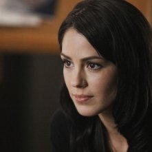 Michelle Borth in una scena dell'episodio Diamond Jane della serie The Forgotten