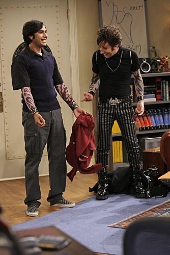 Simon Helberg E Kunal Nayyar In Una Immagine Dell Episodio The Gothowitz Deviation Della Serie The Big Bang Theory 132424