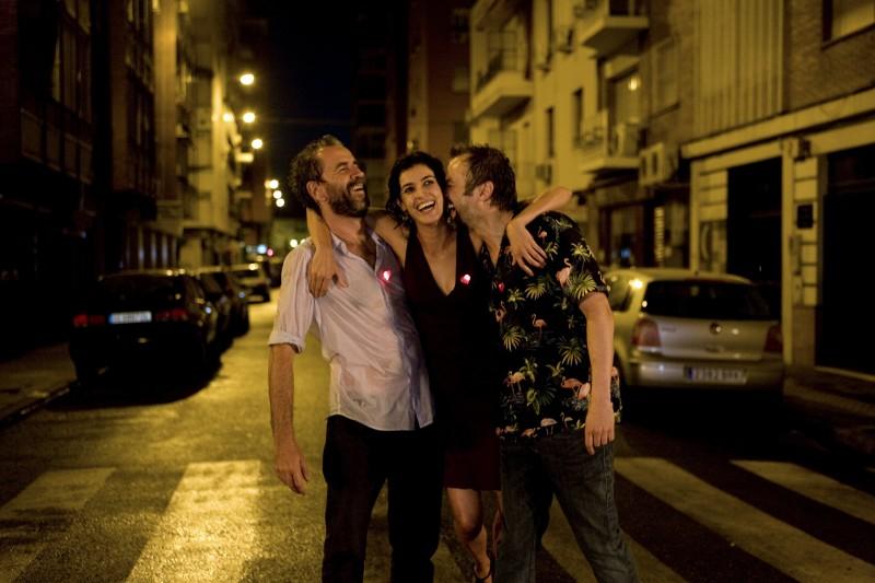 Tristan Ulloa Blanca Romero E Guillermo Toledo In Una Sequenza Del Film After 2009 132454