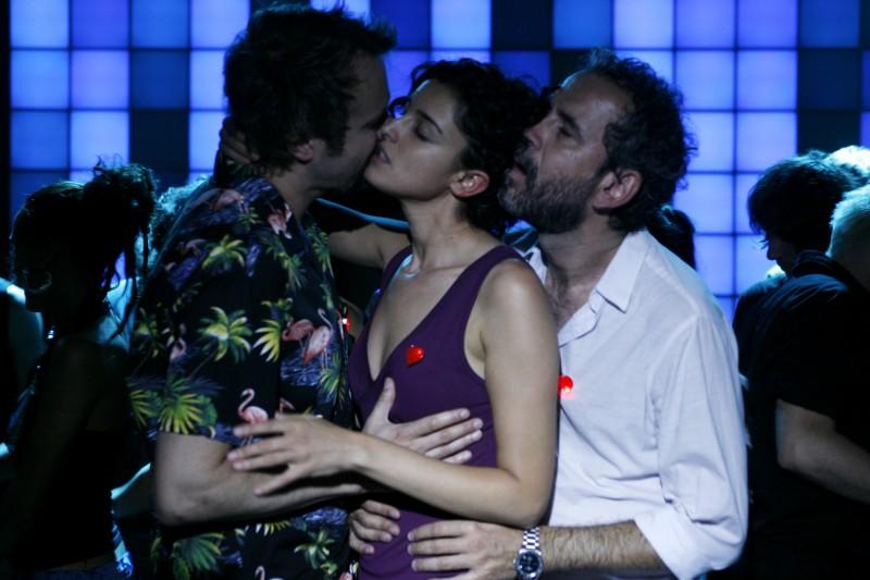 Tristan Ulloa Blanca Romero E Guillermo Toledo In Una Sequenza Di After 2009 132451