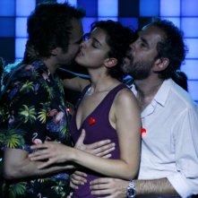 Tristan Ulloa, Blanca Romero e Guillermo Toledo in una sequenza di After (2009)