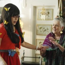 America Ferrera e Lynn Redgrave  in una scena dell'episodio The Butterfly Effect della serie Ugly Betty