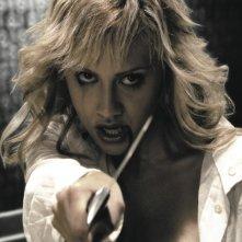 Brittany Murphy è Shellie in una sequenza di Sin City