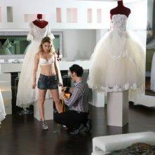 Carolina Crescentini in una scena della commedia Oggi Sposi