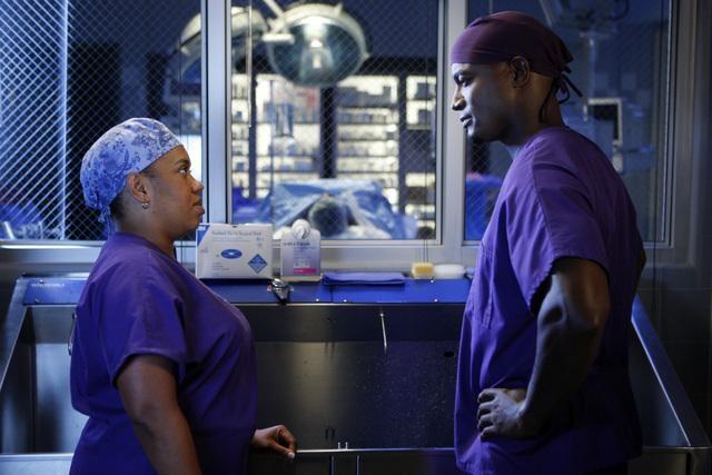 Chandra Wilson E Taye Diggs In Una Scena Dell Episodio Right Here Right Now Della Serie Private Practice 132839