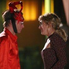 Filippo Nigro e Carolina Crescentini in un'immagine della commedia Oggi Sposi