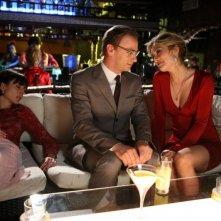 Filippo Nigro e Carolina Crescentini in una scena del film Oggi Sposi