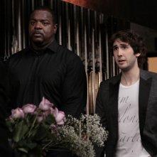 La guest star Josh Groban in un momento dell'episodio Acafellas della serie Glee