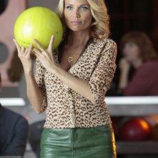 La guest star Kristin Chenoweth in una scena dell'episodio The Rhodes Not Taken della serie Glee