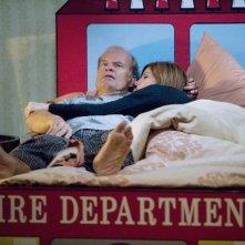 Melinda McGraw e Kelsey Grammer nel pilot della serie Hank