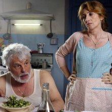Michele Placido e Lunetta Savino in una scena del film Oggi Sposi