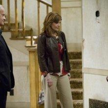 Nathan Gamble, Melinda McGraw e Kelsey Grammer in una scena del pilot della serie Hank