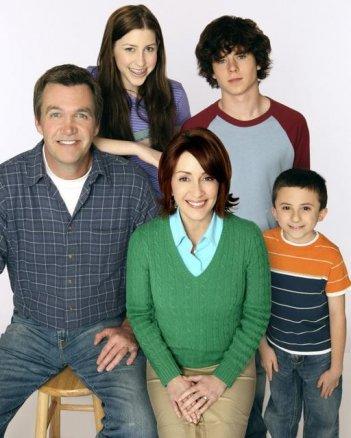 Una foto promozionale del cast della serie The Middle